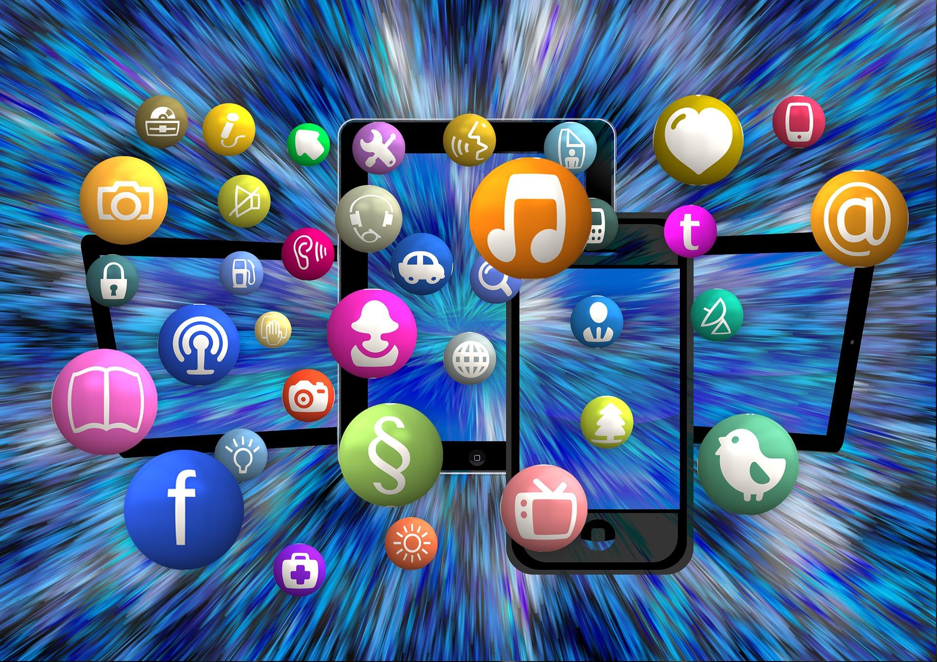 social-media-1453843_1920
